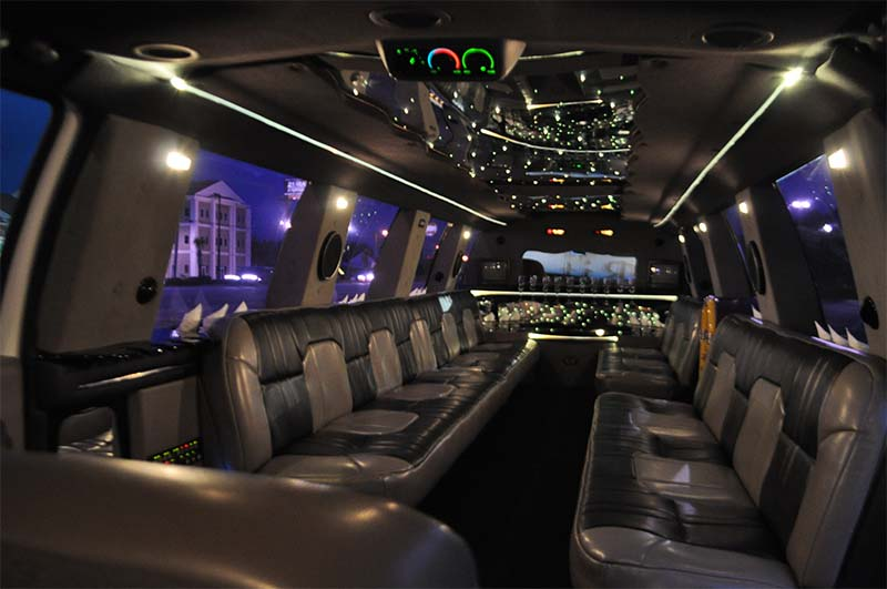 Super Stretch Excursion Interior